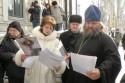 У матери пономарей-подрывателей одна надежда - на Путина и Медведева