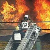 Возник пожар недалеко от строительной площадки мостов