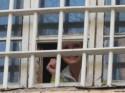 Тимошенко показала гематомы депутатам и дочери