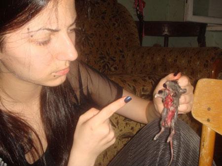 Женщина садистка видео 2 фотография