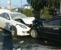 Авария в Запорожье: иномарка столкнулась с тремя машинами, сбив водителя такси — мужчина в тяжелом состоянии