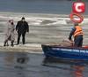 12 рыбаков сняли со льдины