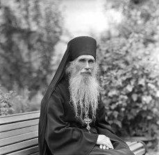 Я шёл с Евангелием и не боялся... Архимандрит Кирилл (Павлов)