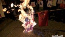 Греки сожгли турецкий и американский флаги в центре Афин
