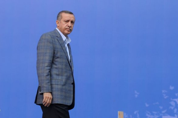 Цель оправдывает средства: Эрдоган готов наступить на горло собственным принципам