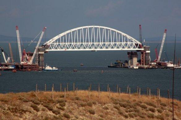 Омелян: строительство Керченского моста нужно срочно остановить (подборка)