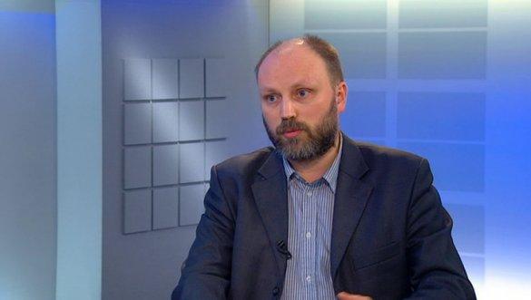 Владимир Рогов. Запад обкладывает Порошенко красными флажками