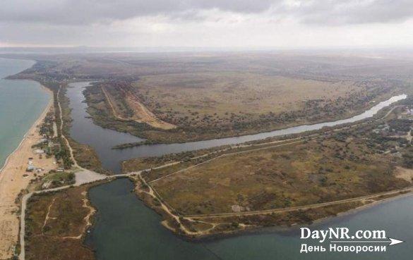 В Керчи производится добыча песка с дамбы, наполненной токсичными отходами