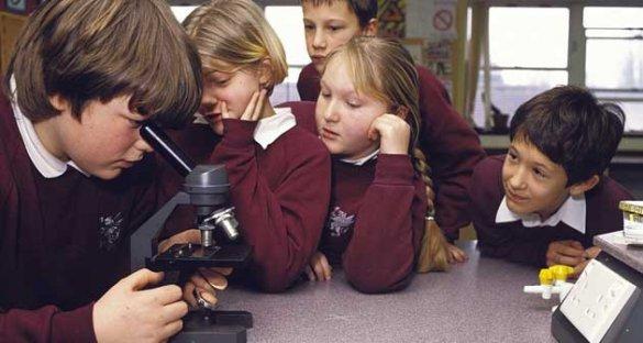 Россияне забирают детей из британских школ